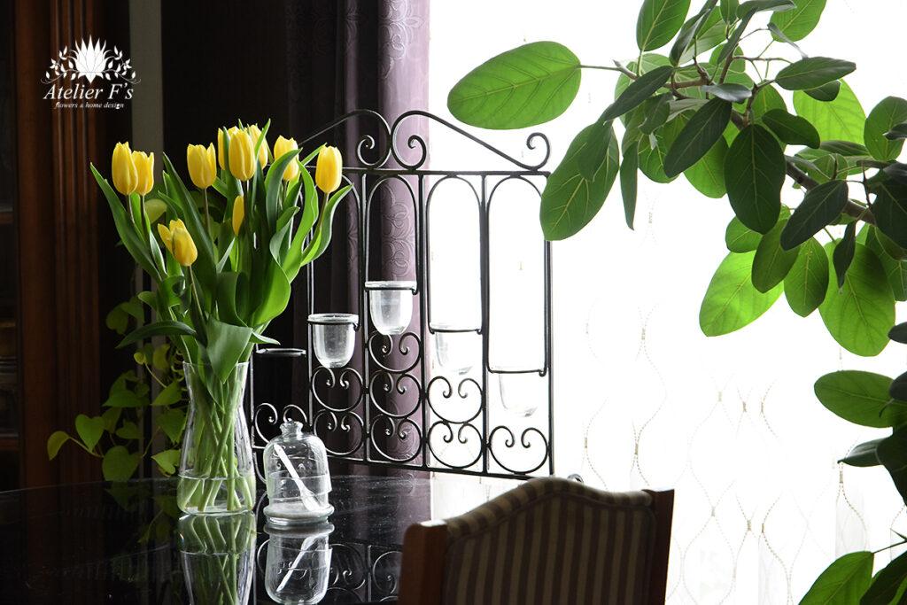 春の切り花 チューリップのバランスのいい飾り方
